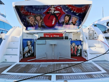 Airbrushed Boat - Rolling Stones