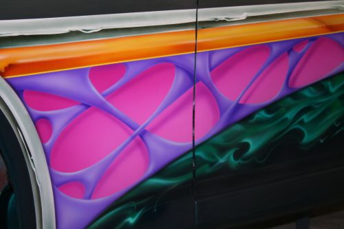 How to paint custom car graphics